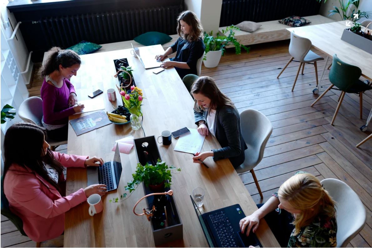 Who Benefits from Working in a Coworking Space?